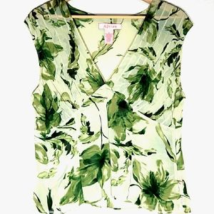 A line Green Floral Sheer Fitted V Neck Top with